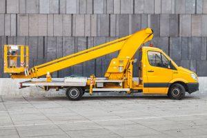 Podesty ruchome przejezdne montowane na samochodzie - szkolenia UDT